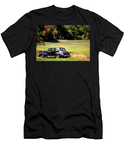 Old Car In A Meadow Men's T-Shirt (Athletic Fit)