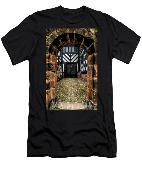 Old England Men's T-Shirt (Athletic Fit)