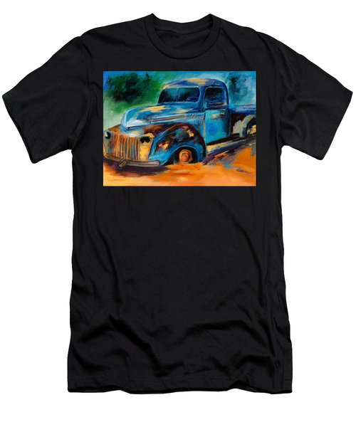 Old Ford In The Back Of The Field Men's T-Shirt (Athletic Fit)