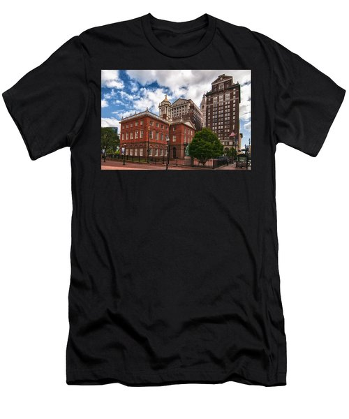 Old State House Men's T-Shirt (Athletic Fit)