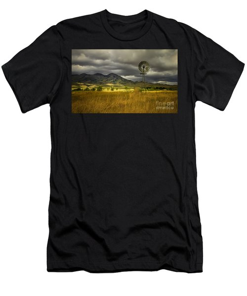 Old Windmill Men's T-Shirt (Athletic Fit)
