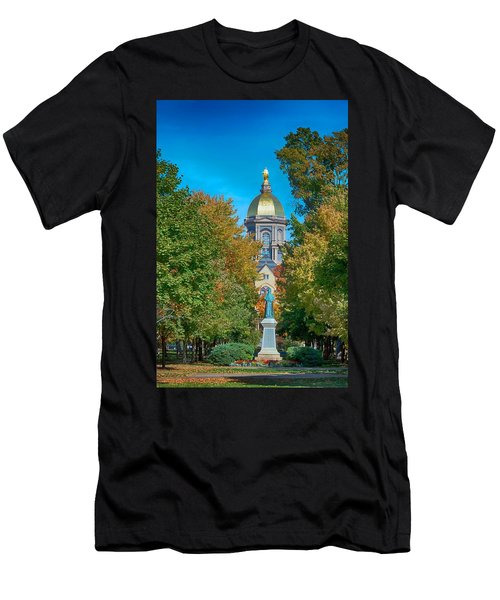 On The Campus Of The University Of Notre Dame Men's T-Shirt (Athletic Fit)