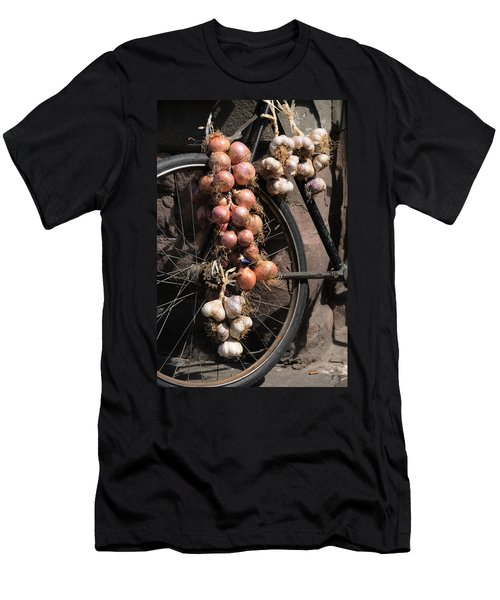 Onions And Garlic On Bike  Men's T-Shirt (Athletic Fit)