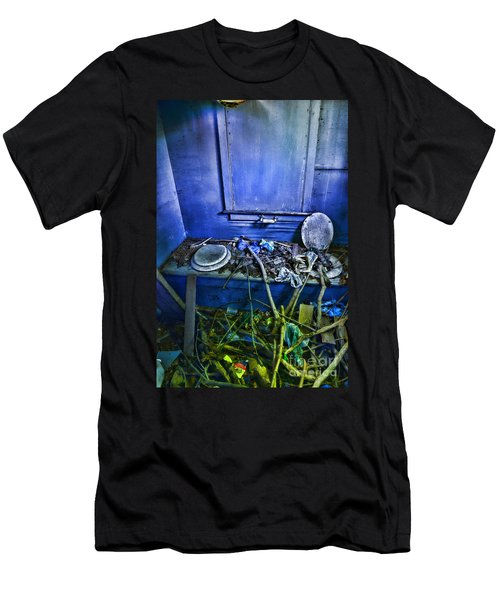 Outhouse Abandoned In The Woods Men's T-Shirt (Athletic Fit)