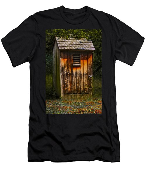 Outhouse Shack Men's T-Shirt (Athletic Fit)