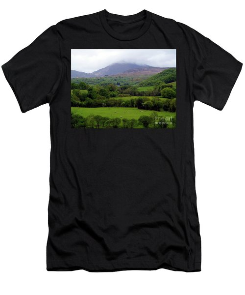 Peace On The Emerald Isle Men's T-Shirt (Athletic Fit)