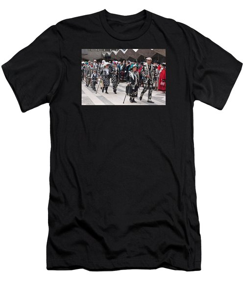 Pearly Kings And Queens Parade. Men's T-Shirt (Athletic Fit)