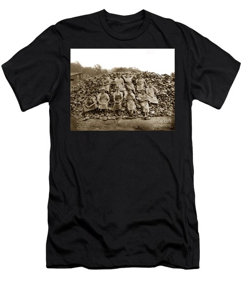 Pierce Brothers Abalone Morro Bay Circa 1925 Men's T-Shirt (Athletic Fit)