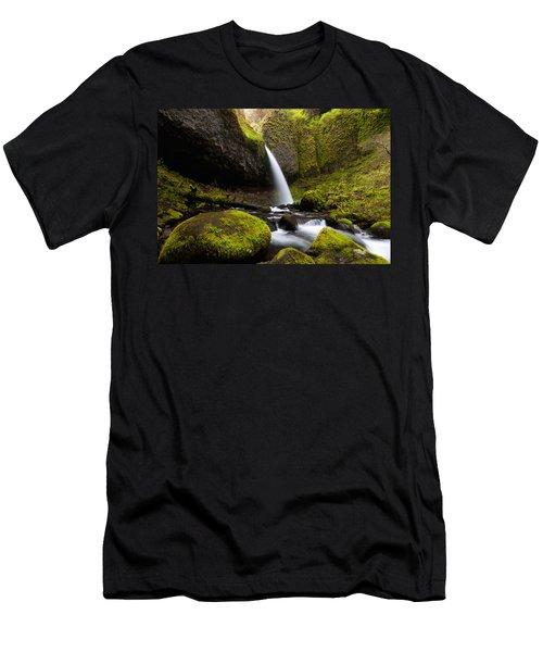Ponytail Falls Men's T-Shirt (Athletic Fit)