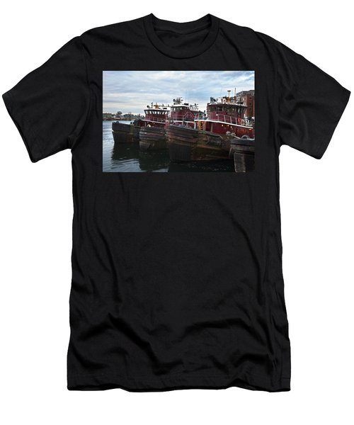 Portsmouth Tugs Men's T-Shirt (Athletic Fit)