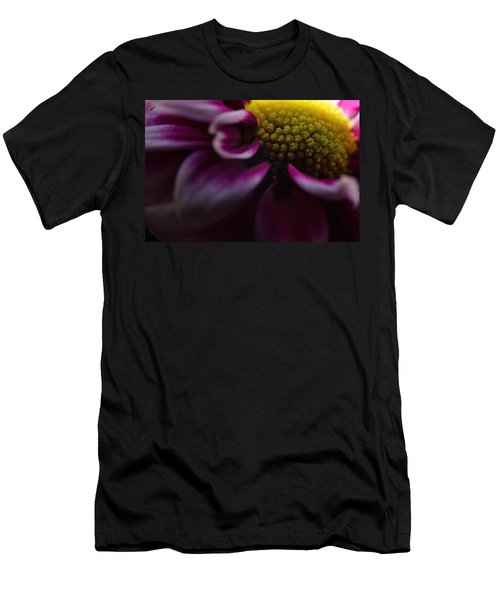 Purple Mum Macro Men's T-Shirt (Athletic Fit)