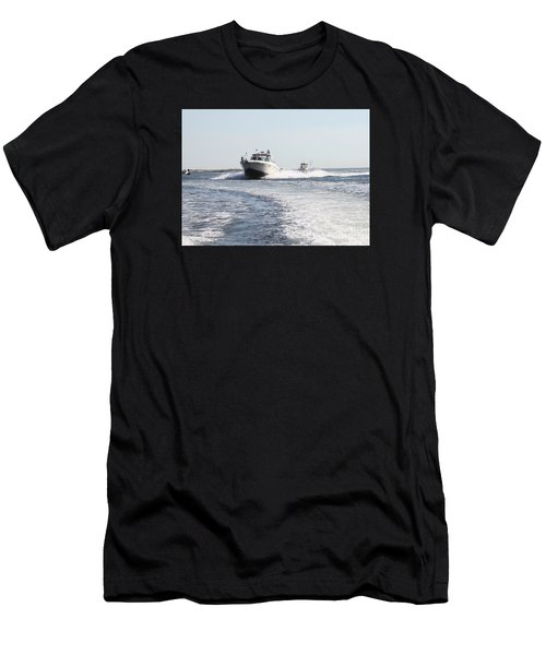 Racing To The Docks Men's T-Shirt (Athletic Fit)