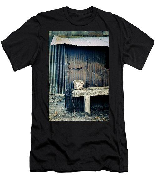 Ranch Out Building Men's T-Shirt (Athletic Fit)