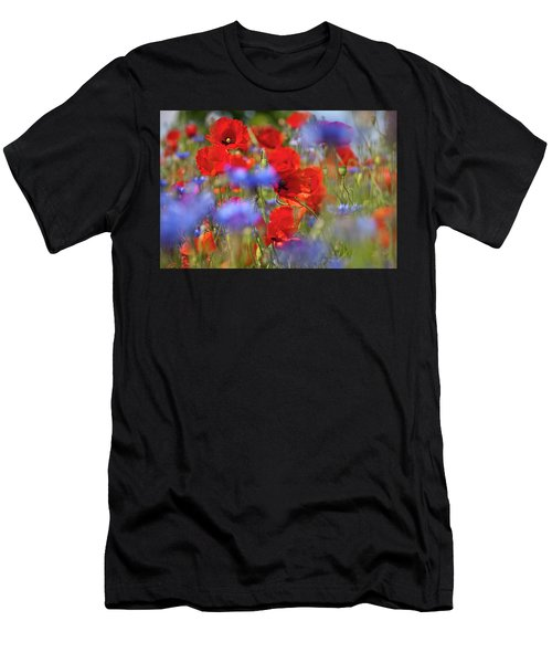 Red Poppies In The Maedow Men's T-Shirt (Athletic Fit)