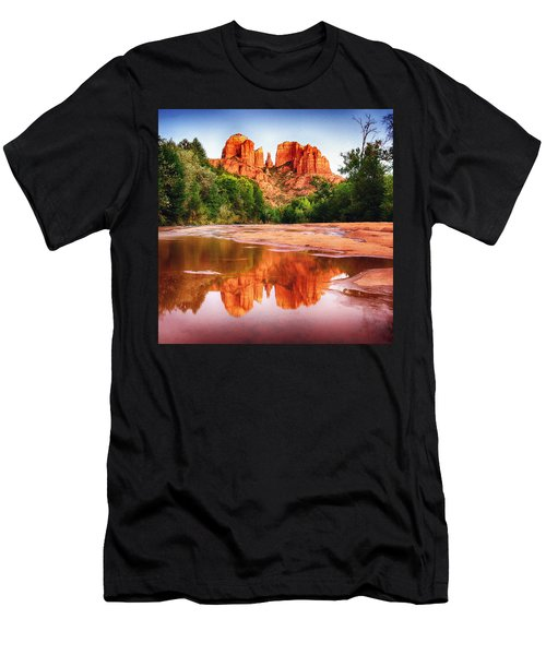 Red Rock State Park - Cathedral Rock Men's T-Shirt (Athletic Fit)