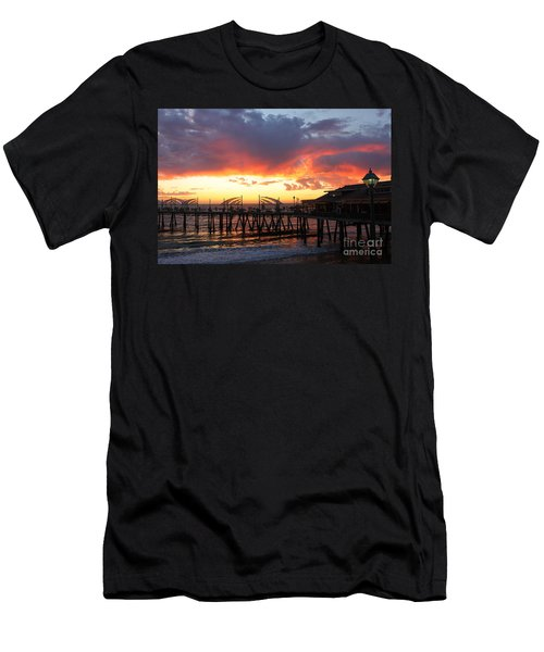 Redondo Pier Sunset Men's T-Shirt (Athletic Fit)