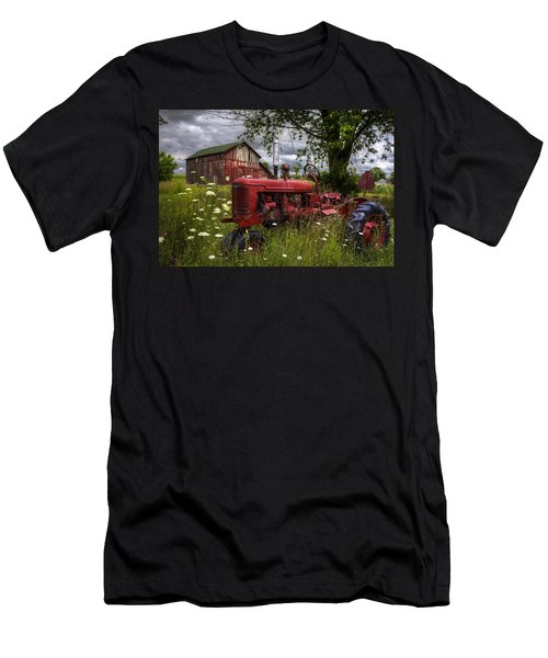 Reds In The Pasture Men's T-Shirt (Athletic Fit)