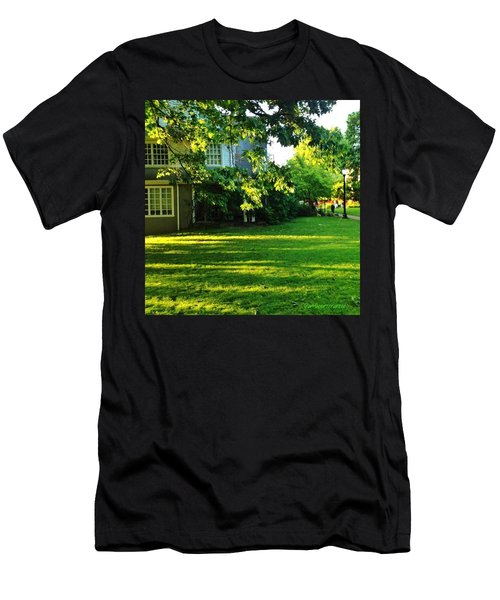 Reed College Campus Evening Light Men's T-Shirt (Athletic Fit)