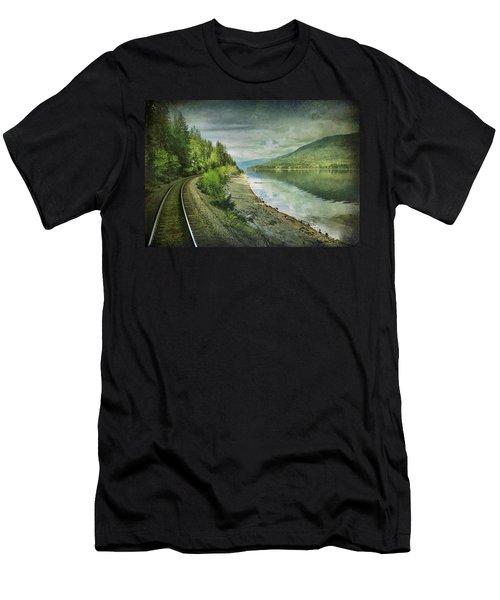 River Track Men's T-Shirt (Athletic Fit)