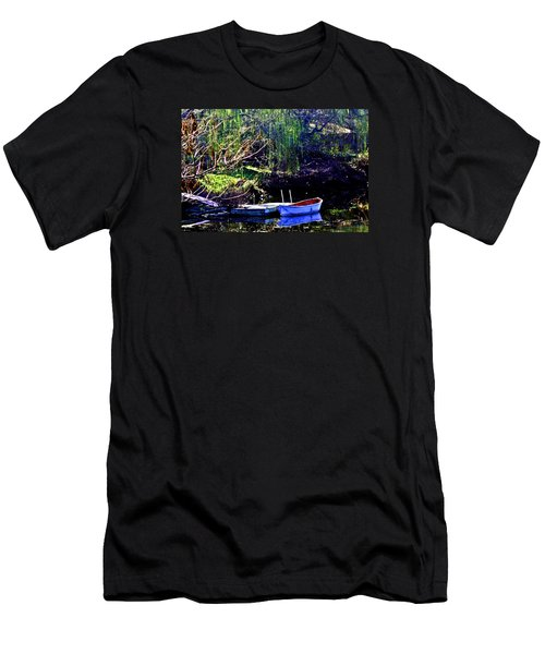 Row Boat At Dock Men's T-Shirt (Athletic Fit)