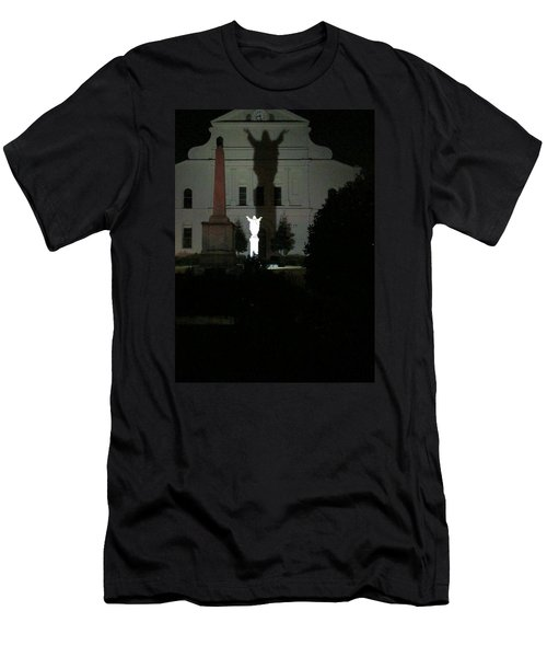 Saint Louis Cathedral Courtyard - New Orleans La Men's T-Shirt (Athletic Fit)