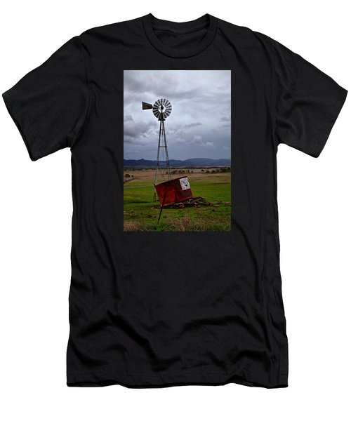 Salt Springs Windmill Men's T-Shirt (Athletic Fit)