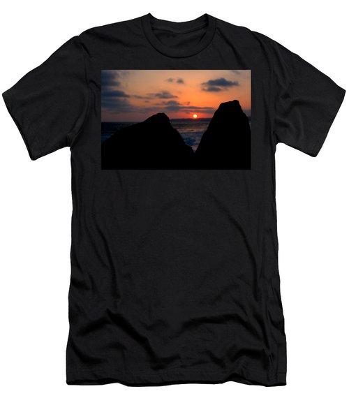 San Clemente Rocks Sunset Men's T-Shirt (Slim Fit) by Matt Harang