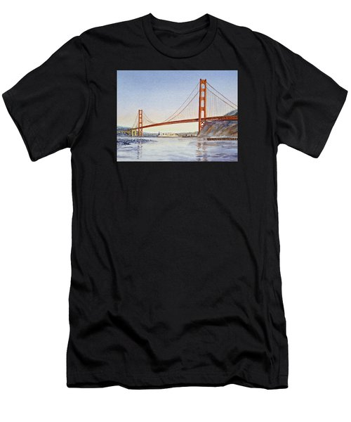 San Francisco California Golden Gate Bridge Men's T-Shirt (Athletic Fit)