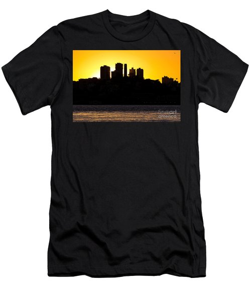 San Francisco Silhouette Men's T-Shirt (Athletic Fit)