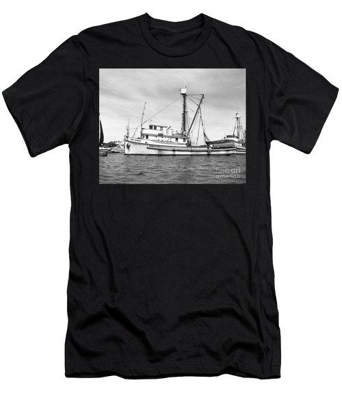 Purse Seiner Sea Queen Monterey Harbor California Fishing Boat Purse Seiner Men's T-Shirt (Athletic Fit)