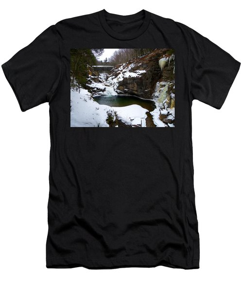 Sentinel Pine Bridge In Winter Men's T-Shirt (Athletic Fit)