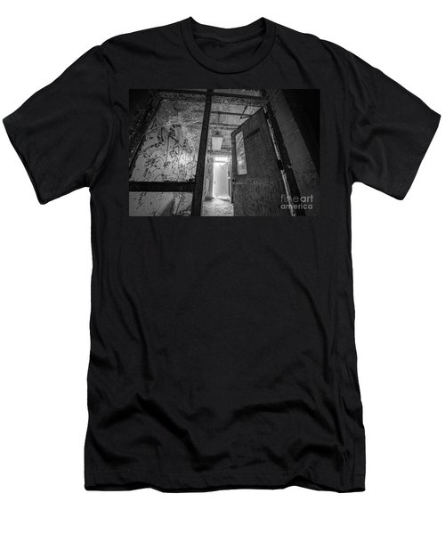 Shattered Bw Men's T-Shirt (Athletic Fit)