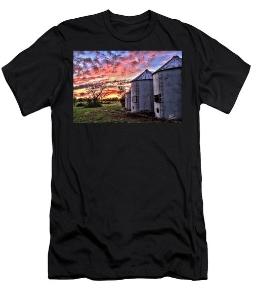 Silo Sunset Men's T-Shirt (Athletic Fit)