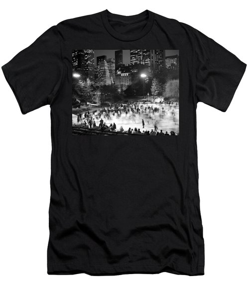 New York City - Skating Rink - Monochrome Men's T-Shirt (Athletic Fit)