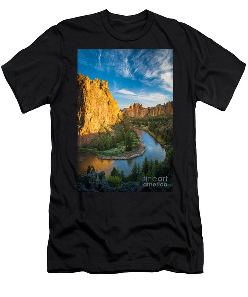 Smith Rock River Bend Men's T-Shirt (Athletic Fit)