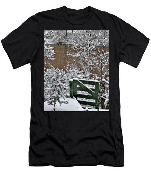 Snowy River Gate Men's T-Shirt (Athletic Fit)