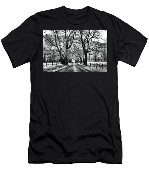 Sparks Lane During Winter Men's T-Shirt (Athletic Fit)