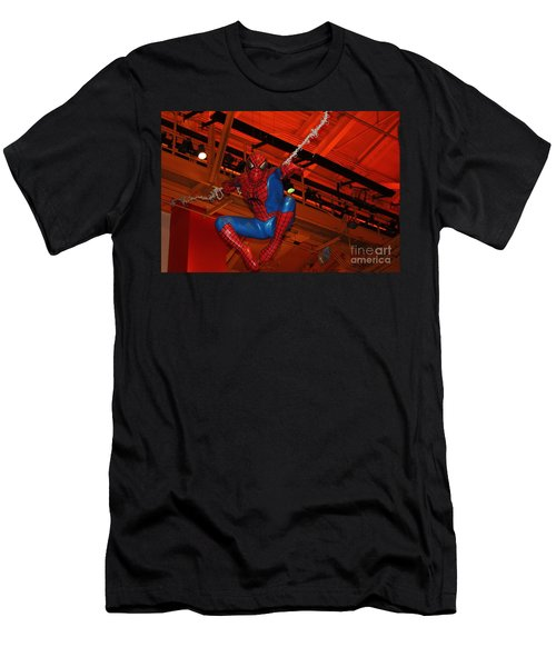 Spiderman Swinging Through The Air Men's T-Shirt (Athletic Fit)