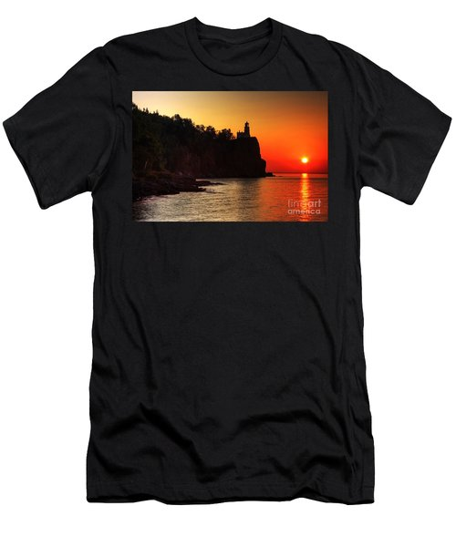 Split Rock Lighthouse - Sunrise Men's T-Shirt (Athletic Fit)