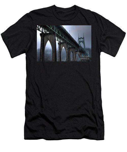 St Johns Bridge Oregon Men's T-Shirt (Athletic Fit)