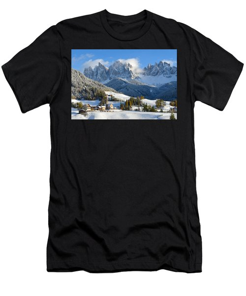 St. Magdalena Village In The Snow In Winter Men's T-Shirt (Athletic Fit)