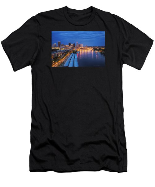 St Paul Skyline At Night Men's T-Shirt (Athletic Fit)
