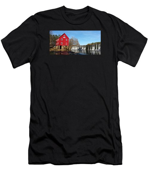 Starr's Mill In Senioa Georgia Men's T-Shirt (Athletic Fit)