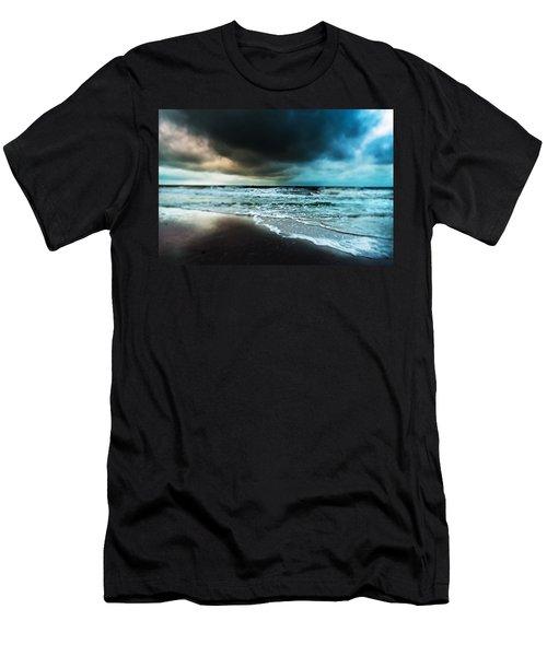 Storm Tilt Men's T-Shirt (Athletic Fit)