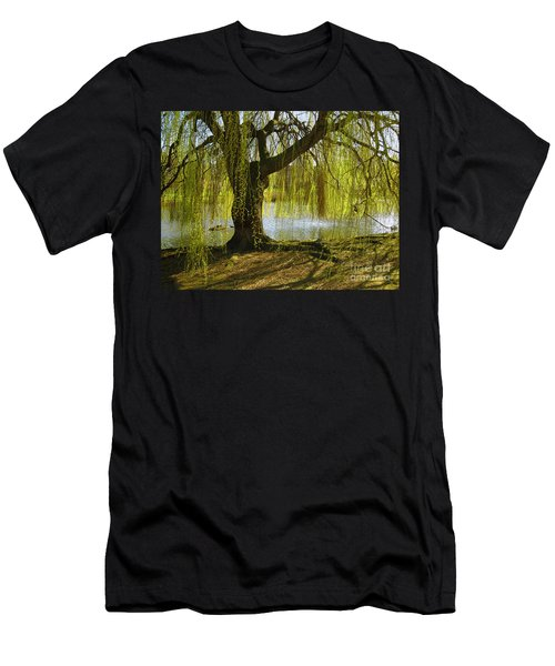 Sunday In The Park Men's T-Shirt (Athletic Fit)