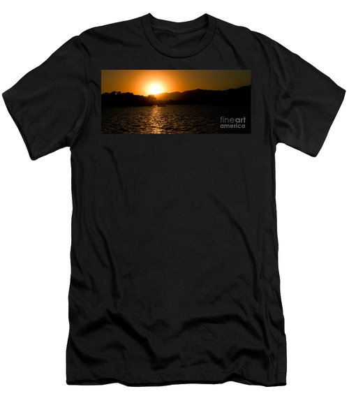 Men's T-Shirt (Athletic Fit) featuring the photograph Sunset At Kunming Lake by Yew Kwang