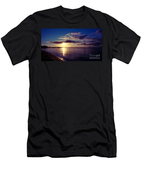 Sunset At Monkey Mia Men's T-Shirt (Athletic Fit)