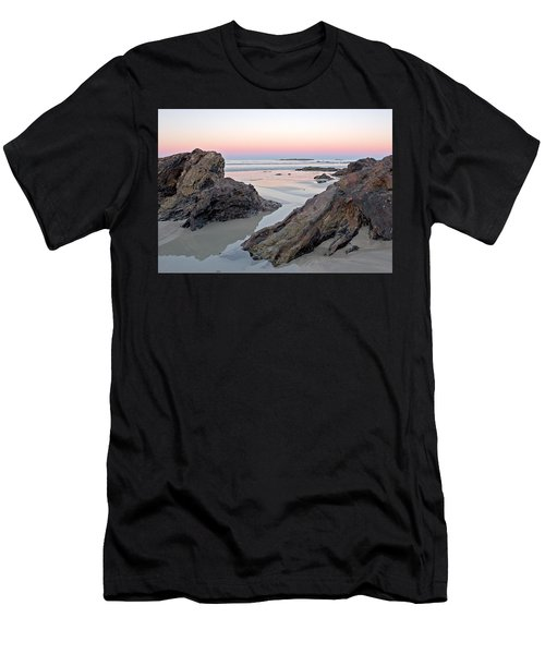 Sunset  Denhams Beach. Men's T-Shirt (Athletic Fit)