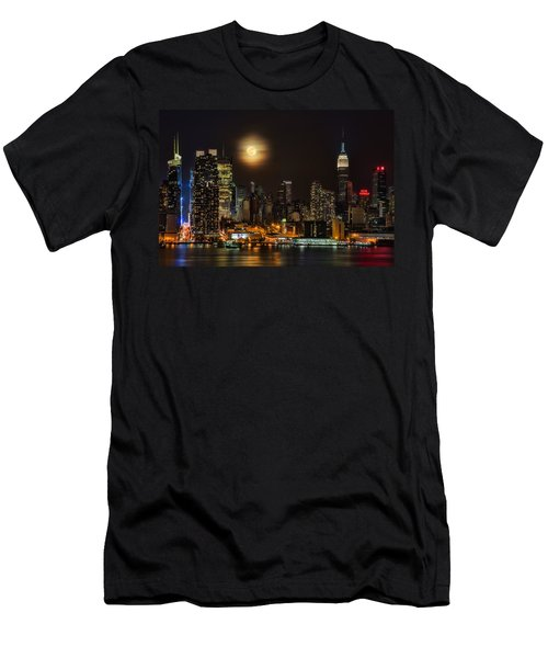 Super Moon Over Nyc Men's T-Shirt (Slim Fit) by Susan Candelario