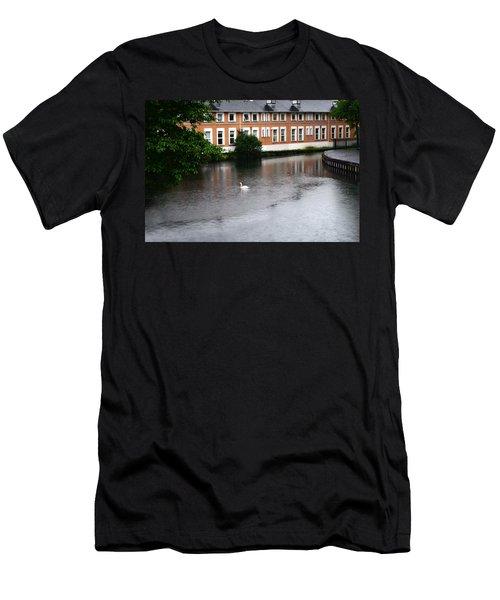 Swan In Dublin Men's T-Shirt (Athletic Fit)